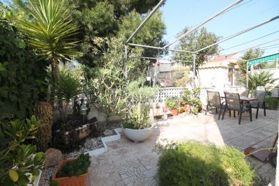 16-Back-garden