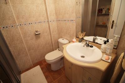 25-Bathroom-1-view-2