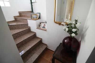27-Base-of-stairs-view-2