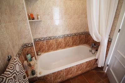 34-Bathroom-2-view-1
