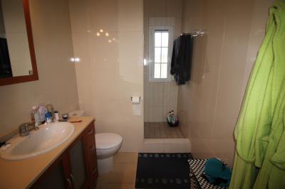 14-Bathroom-3