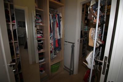 16-walk-in-wardrobe