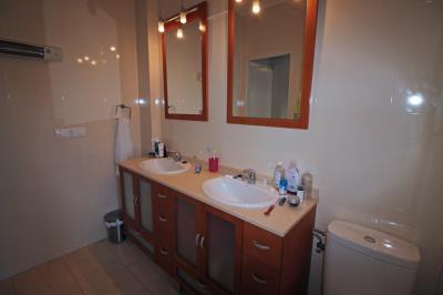 15-Bathroom-3
