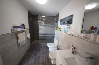 9---Bathroom-Garage
