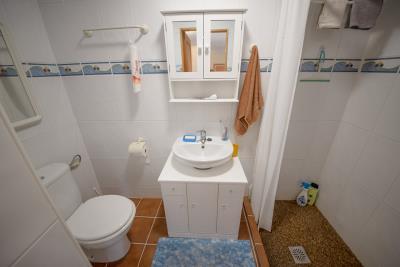 9-bathroom-2