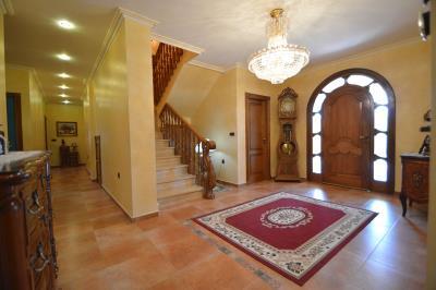 17---hallway-entrance