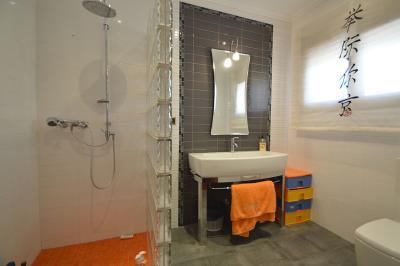 31---bedroom-2-bathroom