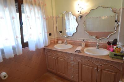 34---bathroom-3
