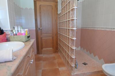 35---bathroom3
