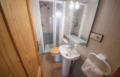08---bathroom-1