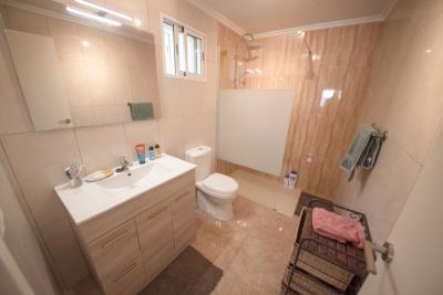 06---bathroom-1
