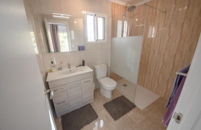 10---bathroom-2