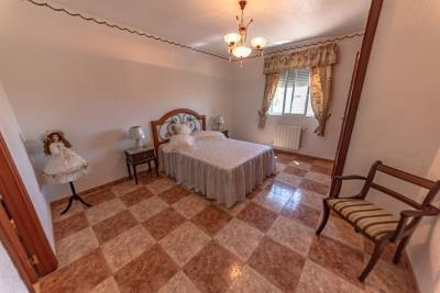 14-bedroom-5