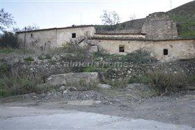 Image No.0-Maison de campagne de 4 chambres à vendre à Lubrín