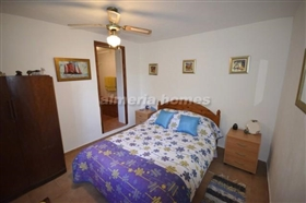 Image No.12-6 Bed Country House for sale