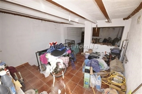 Image No.13-6 Bed Country House for sale