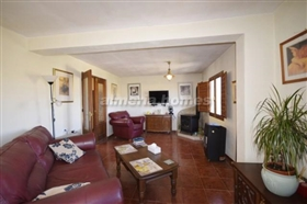 Image No.2-6 Bed Country House for sale