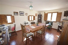 Image No.3-6 Bed Country House for sale