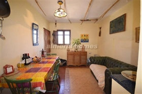 Image No.5-6 Bed Country House for sale