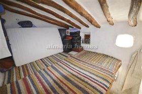 Image No.4-Maison de campagne de 3 chambres à vendre à Oria