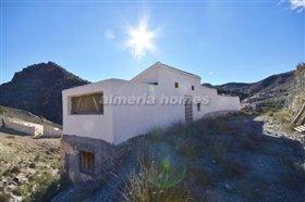 Image No.6-Maison de campagne de 3 chambres à vendre à Oria