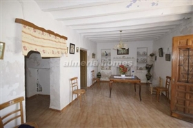 Image No.9-8 Bed Country House for sale