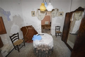 Image No.11-8 Bed Country House for sale