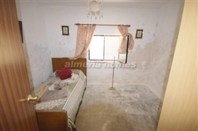 Image No.12-8 Bed Country House for sale
