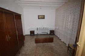 Image No.4-Maison de campagne de 5 chambres à vendre à Cantoria