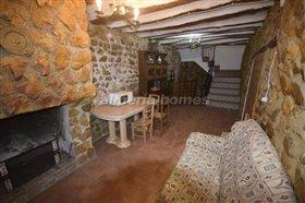 Image No.2-Maison de campagne de 3 chambres à vendre à Oria
