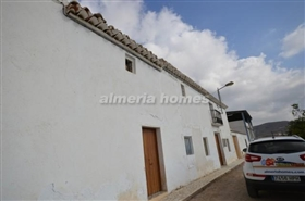 Image No.0-5 Bed Country House for sale
