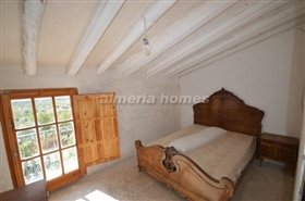 Image No.14-5 Bed Country House for sale