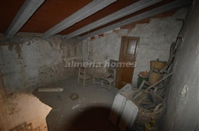 Image No.18-5 Bed Country House for sale