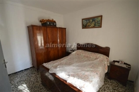 Image No.7-5 Bed Country House for sale