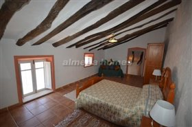 Image No.9-Maison de campagne de 3 chambres à vendre à Oria