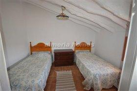 Image No.10-Maison de campagne de 3 chambres à vendre à Oria