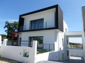 Image No.2-Maison de ville de 4 chambres à vendre à Leiria