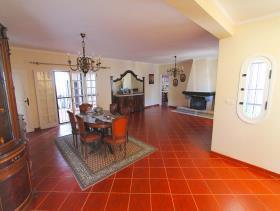 Image No.10-Villa de 4 chambres à vendre à Quarteira