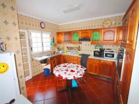 Image No.12-Villa de 4 chambres à vendre à Quarteira
