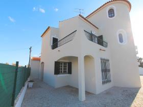 Image No.1-Villa de 4 chambres à vendre à Quarteira