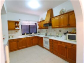 Image No.11-4 Bed House for sale