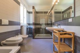 Image No.23-Villa / Détaché de 4 chambres à vendre à Menaggio