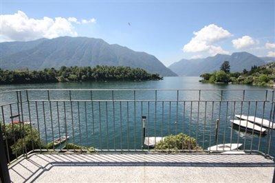 appartamento-fronte-lago-in-vendita-sul-lago-di-como