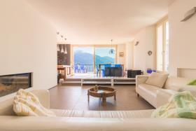 Image No.2-Appartement de 4 chambres à vendre à Dongo
