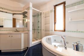 Image No.7-Villa de 4 chambres à vendre à Menaggio
