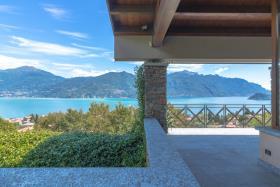 Image No.0-Villa de 4 chambres à vendre à Menaggio