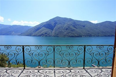 beautiful-house-for-sale-valsolda-terrace-and-lake-view