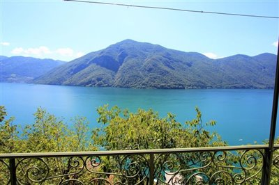 house-for-sale-with-lake-view-in-valsolda