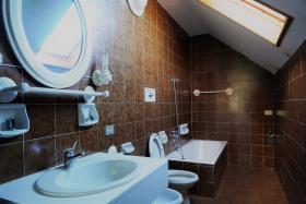 Image No.1-Villa / Détaché de 7 chambres à vendre à Casasco Intelvi