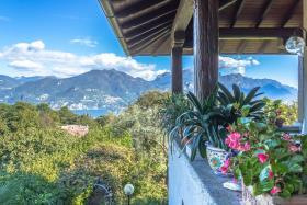 Image No.5-Villa / Détaché de 5 chambres à vendre à Menaggio